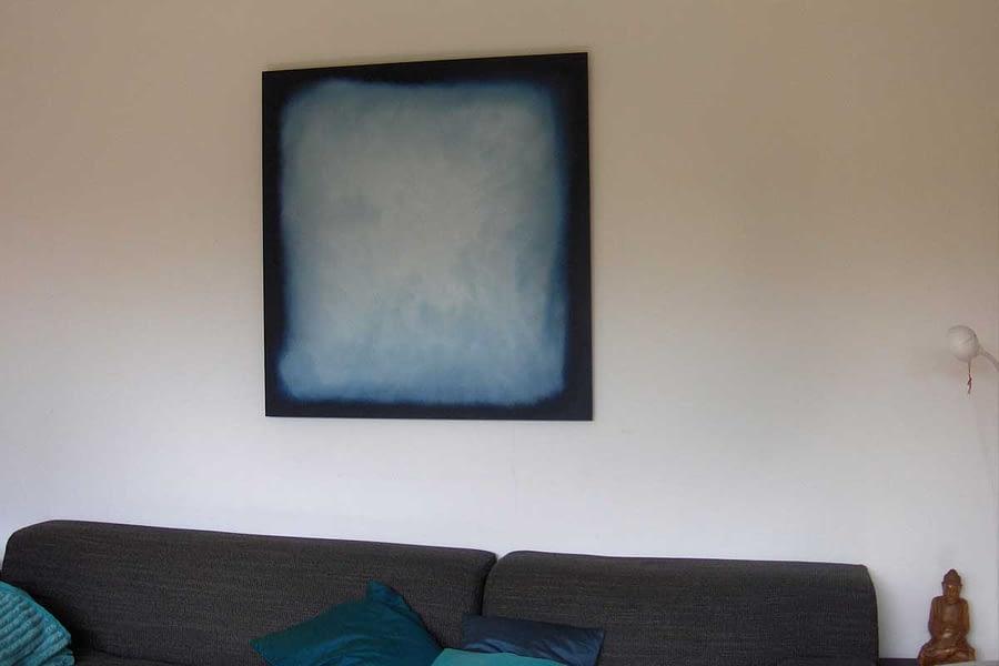 sabine-living-room-lightblue-color-field-painting
